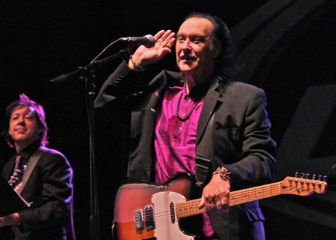 Dave Davies with Jonathan Lea (left) at Taste of Lincoln Avenue, Chicago, IL. July 27, 2013. Photo by Jeff Elbel.